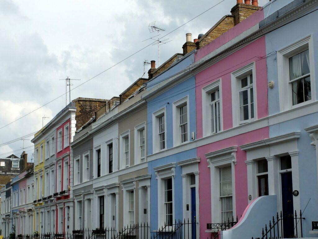 Notting Hill, maisons colorées à proximité de Portobello Road