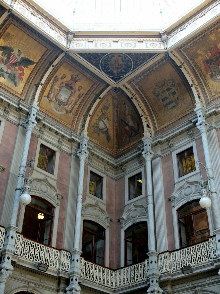 Palácio da Bolsa : majestueux