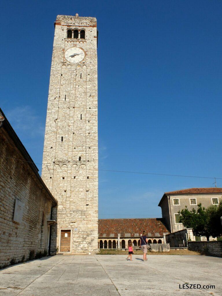 San Giorgio di Valpolicella : son église et son beffroi