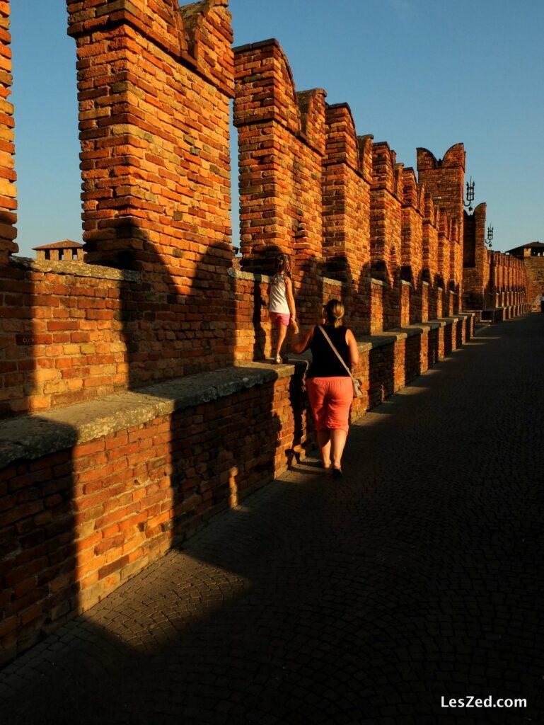 Le Ponte di Castelvecchio devient un parcours aventure pour un enfant