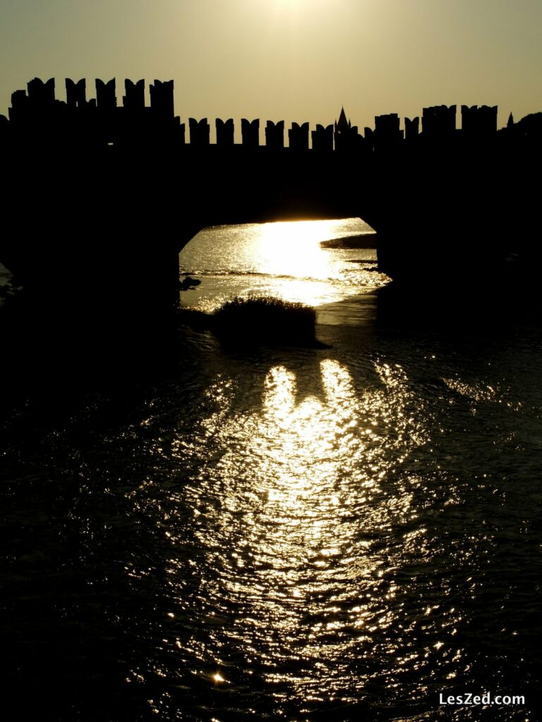 Le soleil se couche sur le Ponte di Castelvecchio (Vérone)