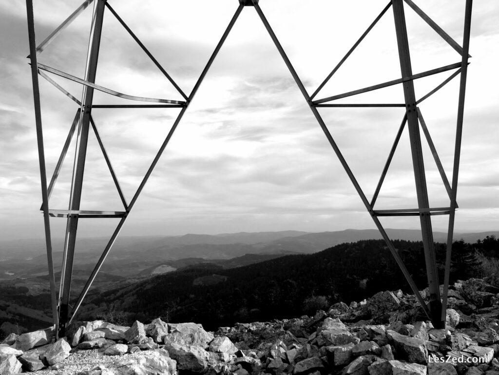 Pylone dans la nature