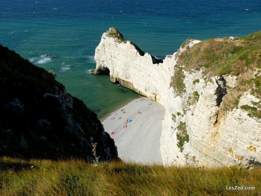 Etretat : falaise d'Amont côté plage