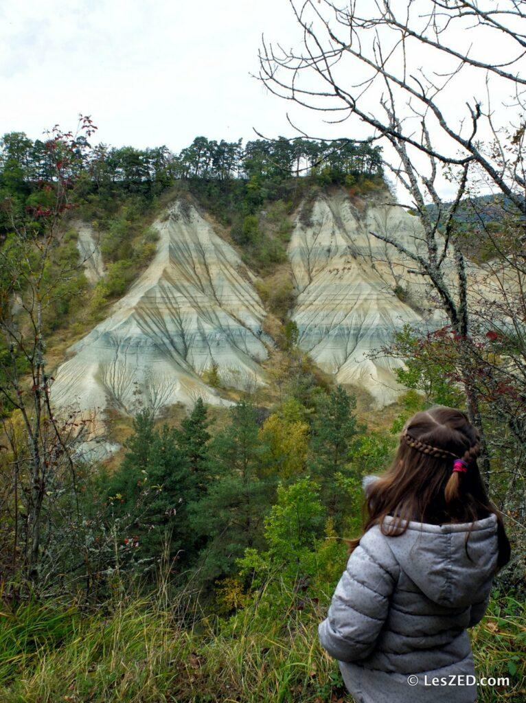 Le Ravin de Corboeuf et son canyon d'argile multicolores