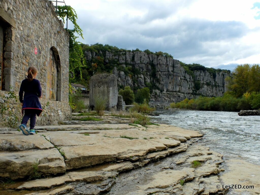 Vogüé : village au bord de l'Ardèche