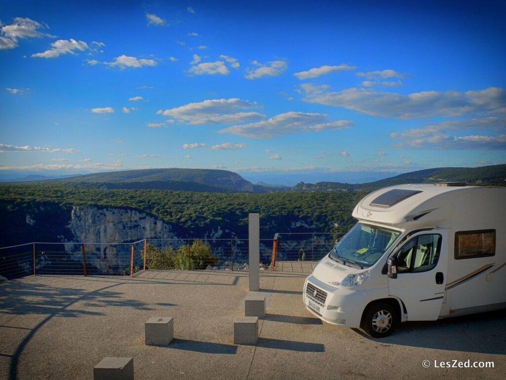 En camping-car dans les Gorges de l'Ardèche
