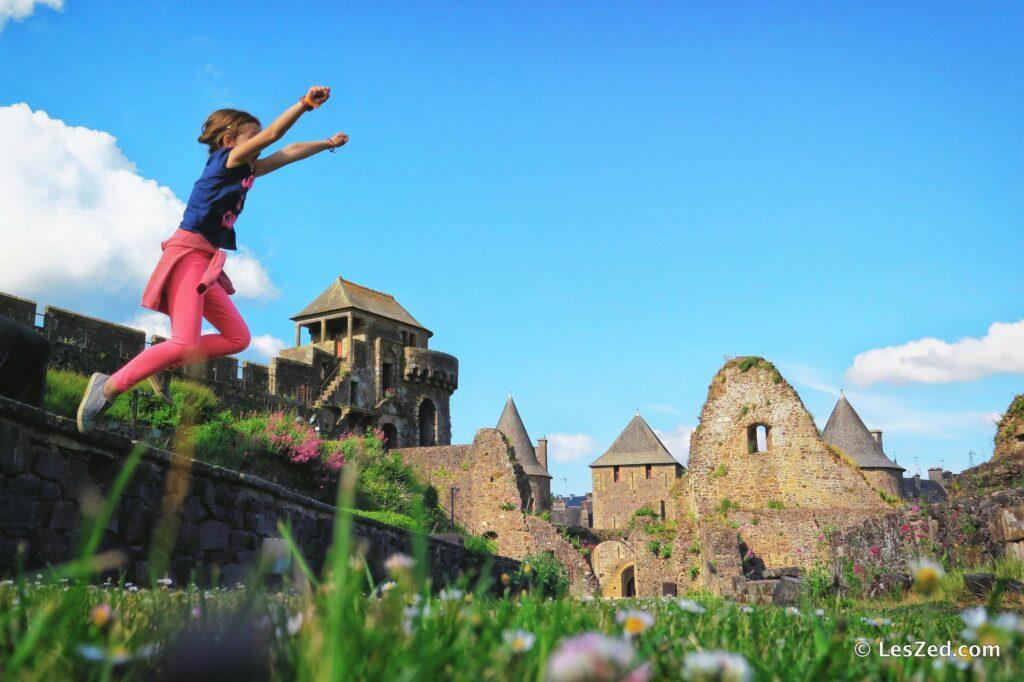 Le Château de Fougères en s'amusant