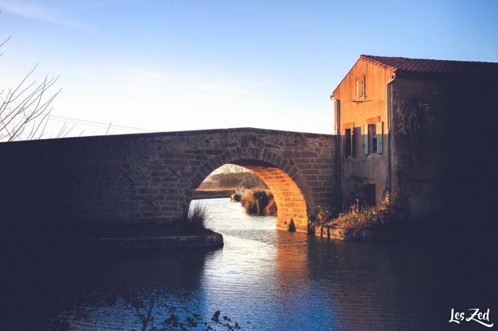Pont et Canal du Midi au coucher du soleil
